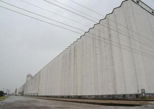 The world's (now second) longest grain elevator. Photo courtesy of The Center for Land Use Interpretation, Creative Commons, CC 3.0, Share Alike